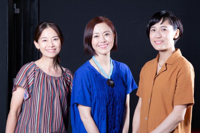 写真・図版 : 左から、土居裕子、熊谷真実、伊勢佳世=冨田実布撮影