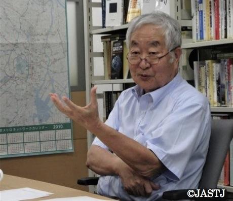 写真・図版 : インタビューに応える政府事故調の元委員長、畑村洋太郎さん