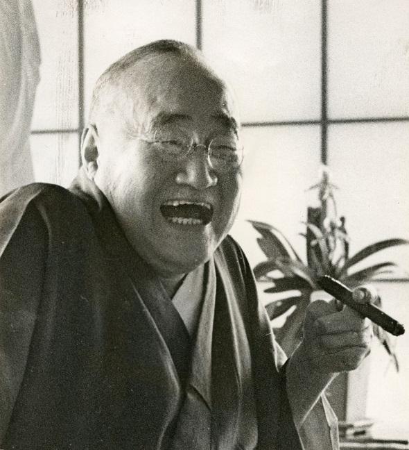 写真・図版 : 吉田茂元首相=1963年、神奈川県大磯町の自宅で