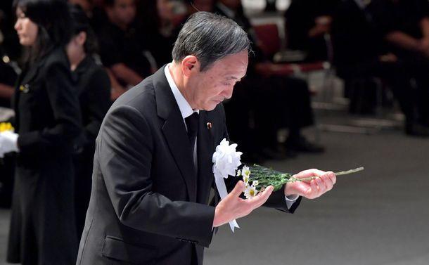 翁長前沖縄県知事県民葬で菅官房長官が浴びた怒声