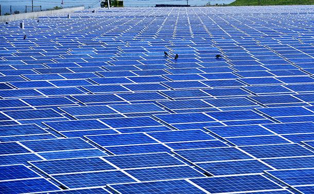 太陽光発電をカットしてまで原発を使う本末転倒