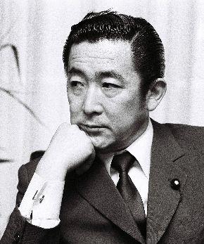 写真・図版 : 宇野宗佑政権で自民党幹事長に就任した橋本龍太郎氏=1989年6月3日