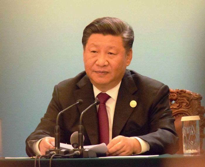 写真・図版 : 中国アフリカ協力フォーラムを終えて、記者会見する中国の習近平国家主席=9月4日