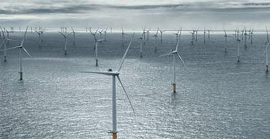 写真・図版 : 三菱重工がデンマーク企業と組んで欧州で建設した洋上風力発電=三菱重工HPより