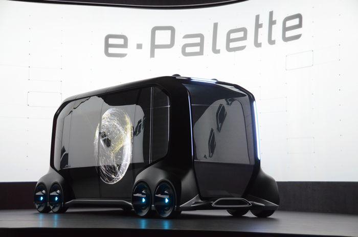 写真・図版 : トヨタ自動車が実用化を目指す自動運転車「e-Palette」=今年1月、米ネバダ州ラスベガス