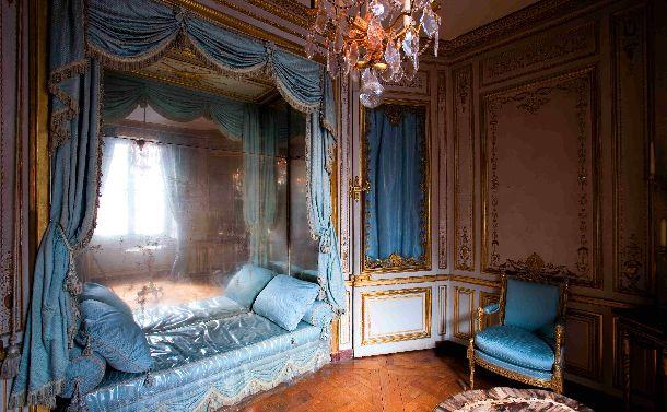 写真・図版 : 第2子誕生を祝ってルイ16世から贈られたマリー・アントワネットの私室=2007年10月31日、フランス・ベルサイユ