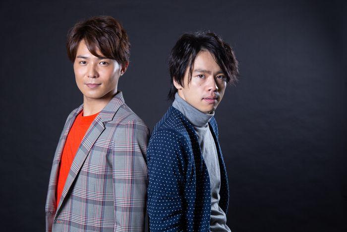 写真・図版 : 中川晃教(右)と平方元基=冨田実布撮影