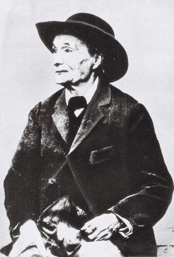 写真・図版 : ジャン・アンリ・ファーブル(仏・生物学者)