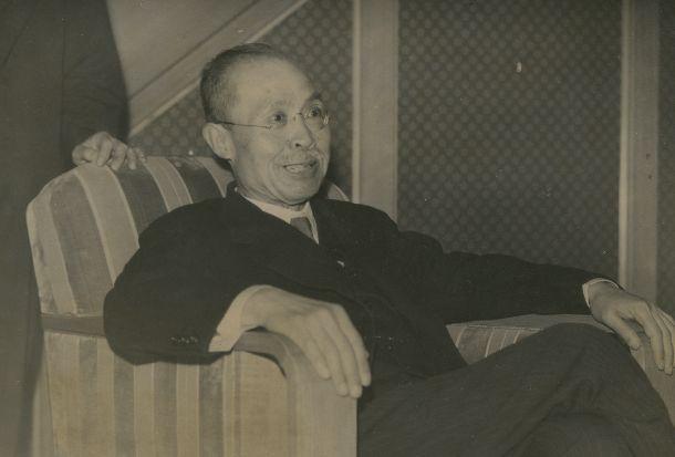 写真・図版 : 首相に就任した幣原喜重郎=1945年10月6日