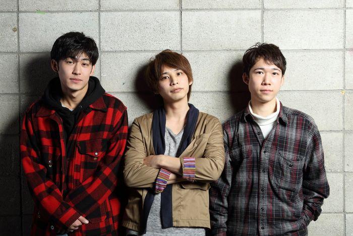 写真・図版 : 左から、久保優二、澤井俊輝、千葉健玖=伊藤華織撮影