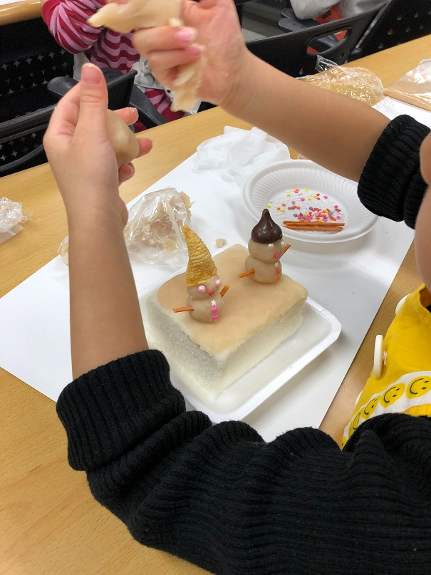 写真・図版 : タリンでの日本の文化についての勉強会。