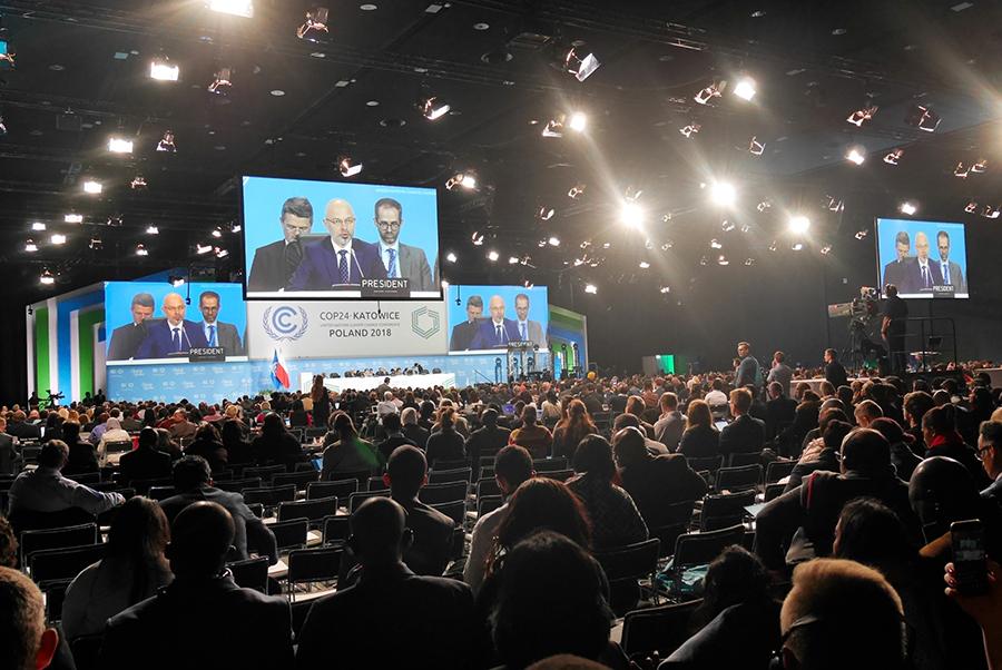 写真・図版 : 国連気候変動枠組み条約締約国会議(COP24)=2018年12月2日、ポーランド南部カトビツェ、神田明美撮影