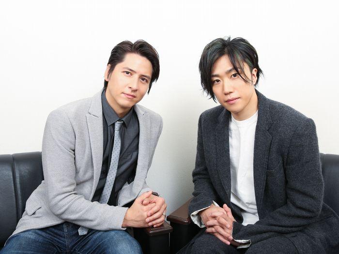 写真・図版 : 早乙女太一(右)と伊礼彼方=宮川舞子撮影
