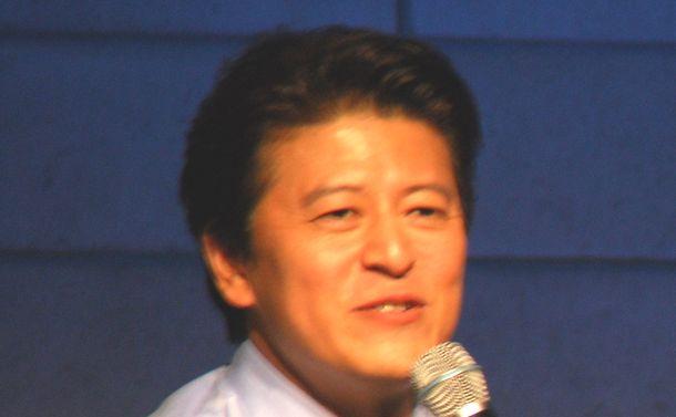 写真・図版 : でも、冬ソナ通は、クォン・ヘヒョ(権海孝)さんが一番という人も。ペさんの同僚「キム次長」役で親しみやすいキャラが人気でした(2011年、ソウル)