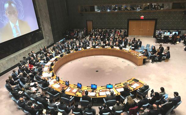 写真・図版 : 米国がエルサレムをイスラエルの「首都」と宣言したことを受け、国連安保理では欧州の理事国も含め、米国批判が相次いだ=2017年12月8日、米ニューヨークの国連本部、