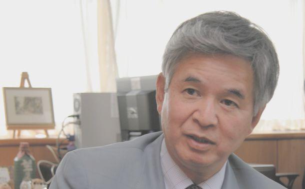 写真・図版 : 経産省の事務次官当時の望月晴文氏=2008年8月19日