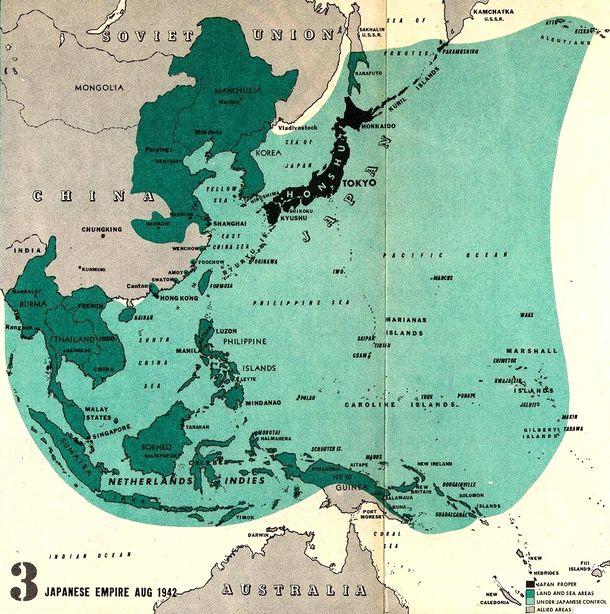 写真・図版 : 1942年8月、当時の日本の植民地および日本軍占領下のアジア地域の地図。緑の部分が日本の支配地域=筆者の講義資料の中から