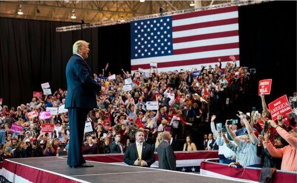 中間選挙後も混乱続く米政局
