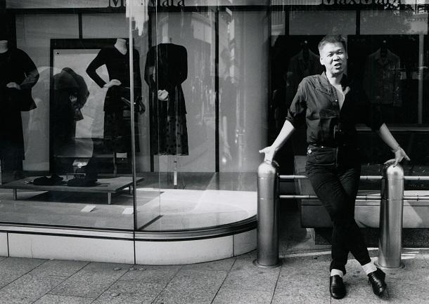 写真・図版 : 1996年、東京・有楽町で