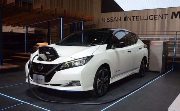 写真・図版 : 日産自動車の電気自動車「リーフe+(イープラス)」=2019年1月、横浜市