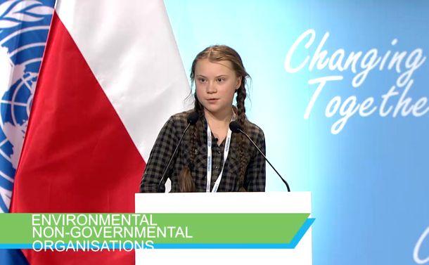 写真・図版 : COP24でスピーチするグレタさん(国連HPから)