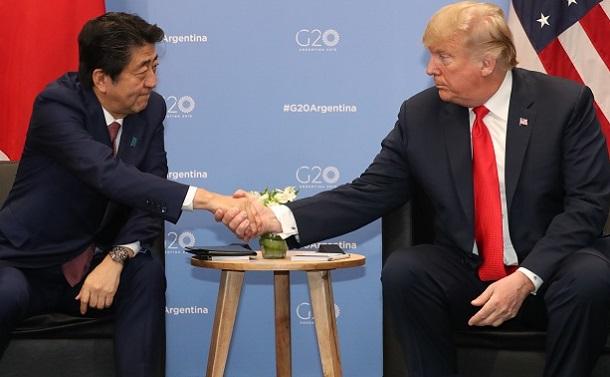 写真・図版 : トランプ米大統領をノーベル平和賞に推薦した安倍首相の「政治家力」とは?