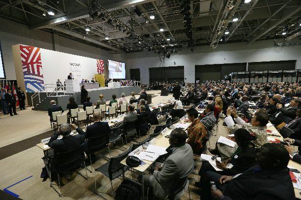 写真・図版 : 「仙台防災枠組み」を採択した第3回国連防災世界会議の開会式=2015年3月14日、仙台市
