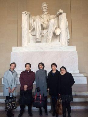 ⽇本国際交流センター主催のワシン トンDC訪問団に参加した筆者(右から 2⼈⽬)=2017年3月3日