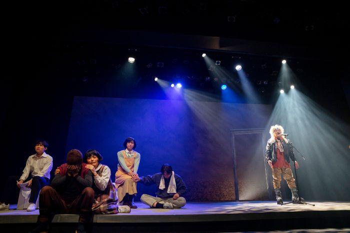 写真・図版 : 『なのはな』Kチーム公演から=Studio Life 提供