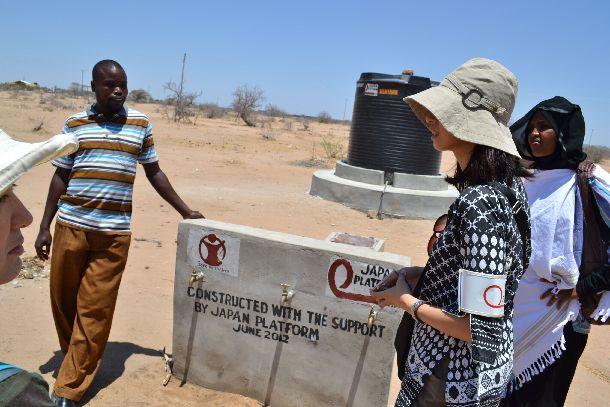 ケニアにおける加盟団体の給水事業を視察する筆者©ジャパン・プラットフォーム