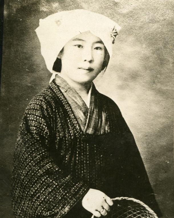 写真・図版 : 金子文子=1923年