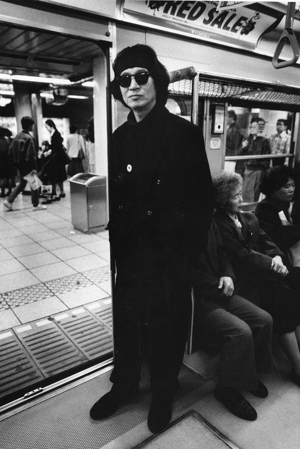 写真・図版 : 地下鉄銀座線で=1991年