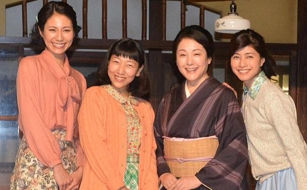 まんぷくに出演する(左から)松下奈緒、安藤サクラ、松坂慶子、内田有紀=2
