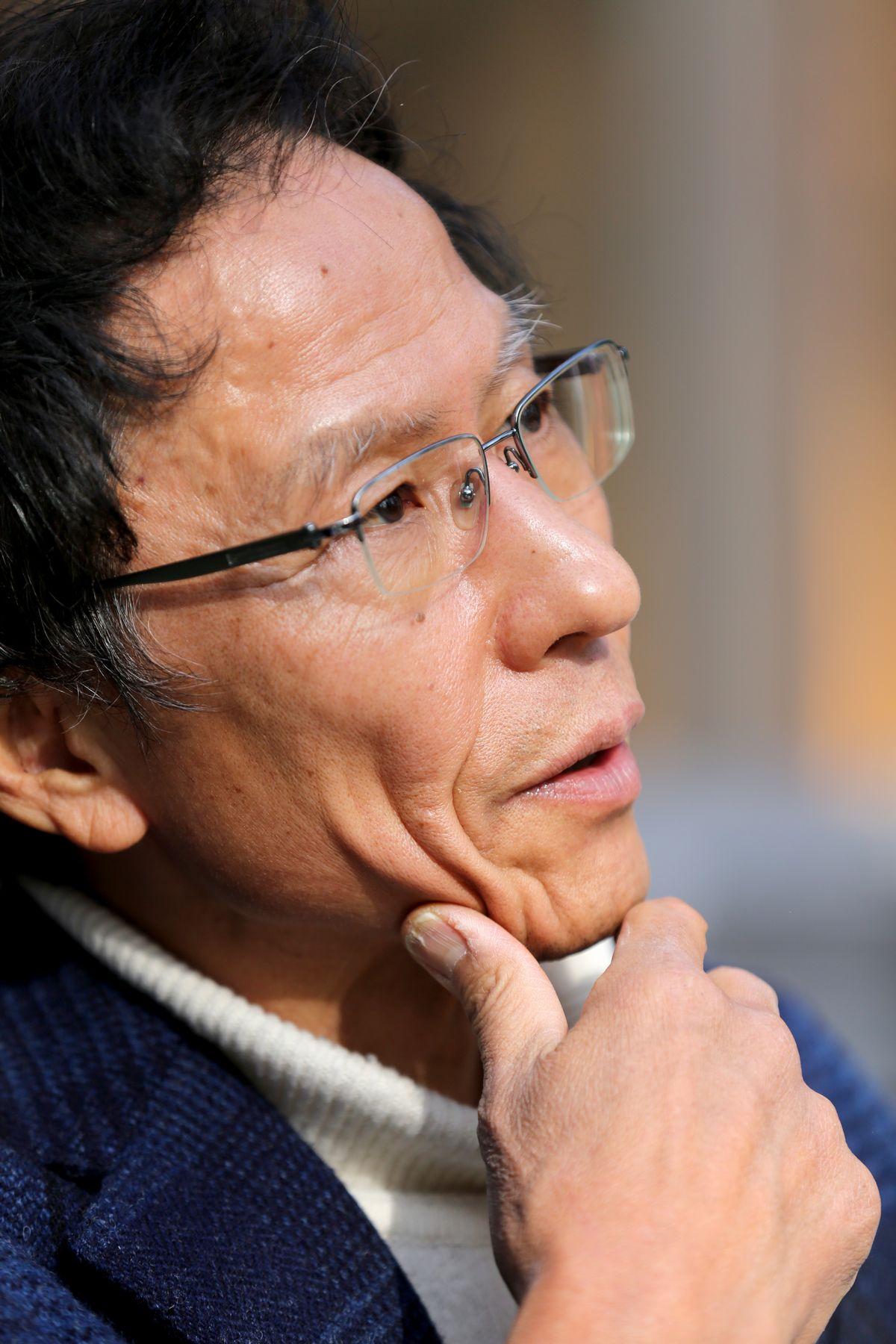 写真・図版 : 姜尚中・東大名誉教授=2月、長野県軽井沢町