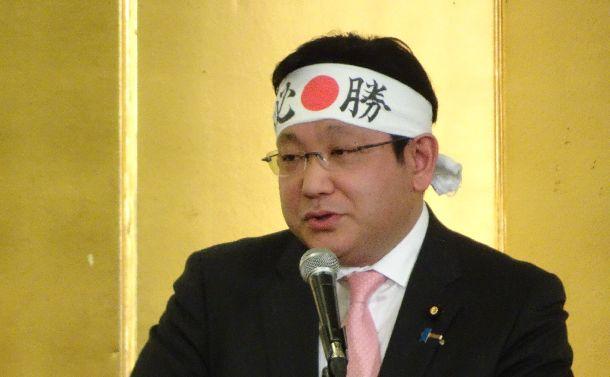 塚田氏の「忖度」発言があぶり出す日本政治の病