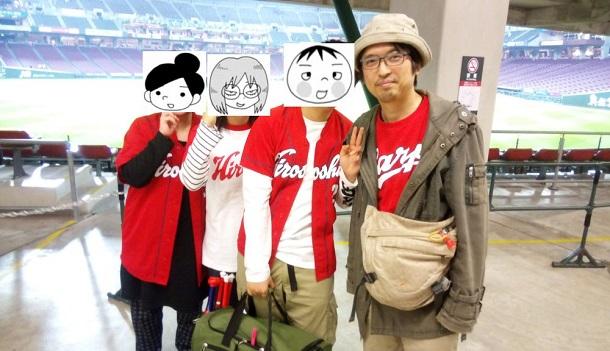 2019年3月29日の榎本俊二さん(写真右端)ご一家。諸般の事情により、耕野裕子さん(左端)をはじめとする一同は榎本さんの漫画『思ってたよりフツーですね』より素材を拝借してコラージュしました=撮影・筆者