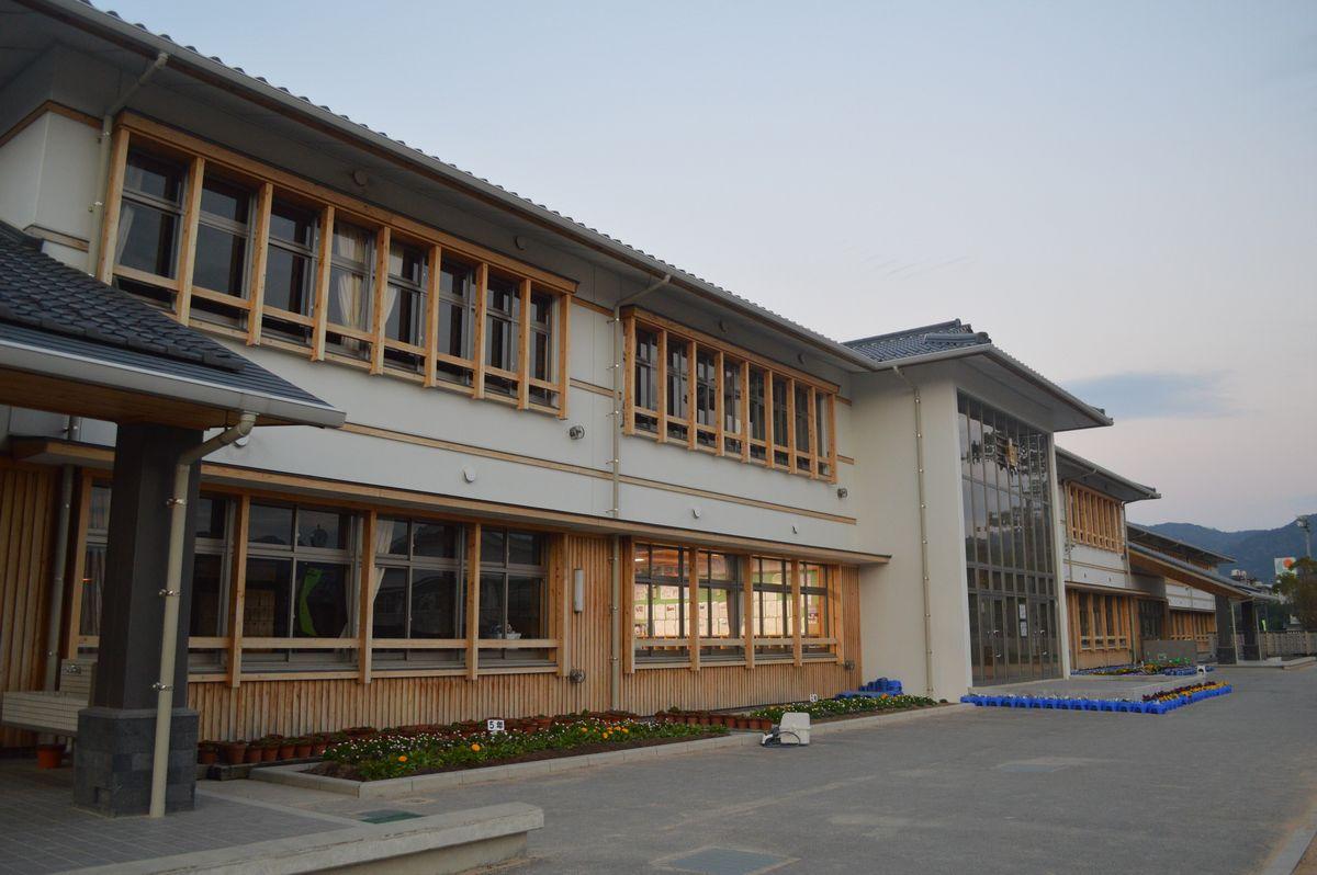 写真・図版 : 山口県萩市立、明倫小学校=1月30日、萩市江向