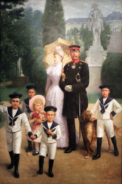 写真・図版 : 図2 「サンスーシ公園の皇帝一家」 1891年、ベルリン・ドイツ歴史博物館 © William Friedrich Georg Pape (1859–1920) [Public domain]