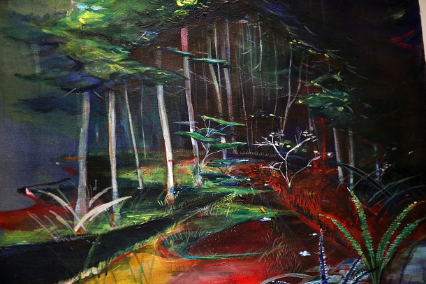 写真・図版 : 「青い山に入る」。山奥での戦争体験を聞き歩き、物語と絵をつくるシリーズ『遠い日/山の終戦』の中の一枚=瀬尾夏美画
