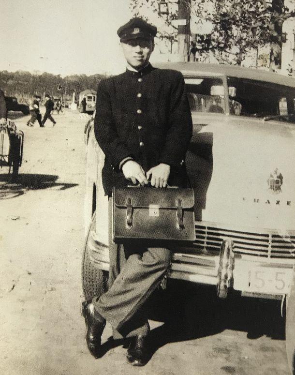 写真・図版 : 東京大学時代の田さん。この頃、ユダヤ人の下士官から「金儲けの商法」を学ぶ