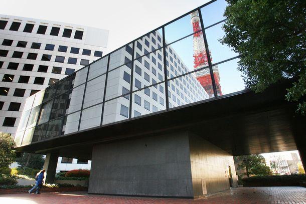 写真・図版 : 東京タワーのすぐそばにある日本グランド・ロッジ=2007年12月16日、東京都港区芝公園