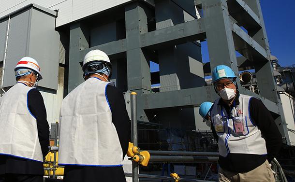 福島原発廃炉に外国人労働者、「使い捨て」の声