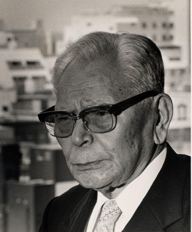 写真・図版 : 1985年、84歳の頃の国場組社長・国場幸太郎氏=朝日新聞社