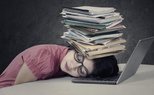 教員不足3つの理由 教員全体が疲れ切っている