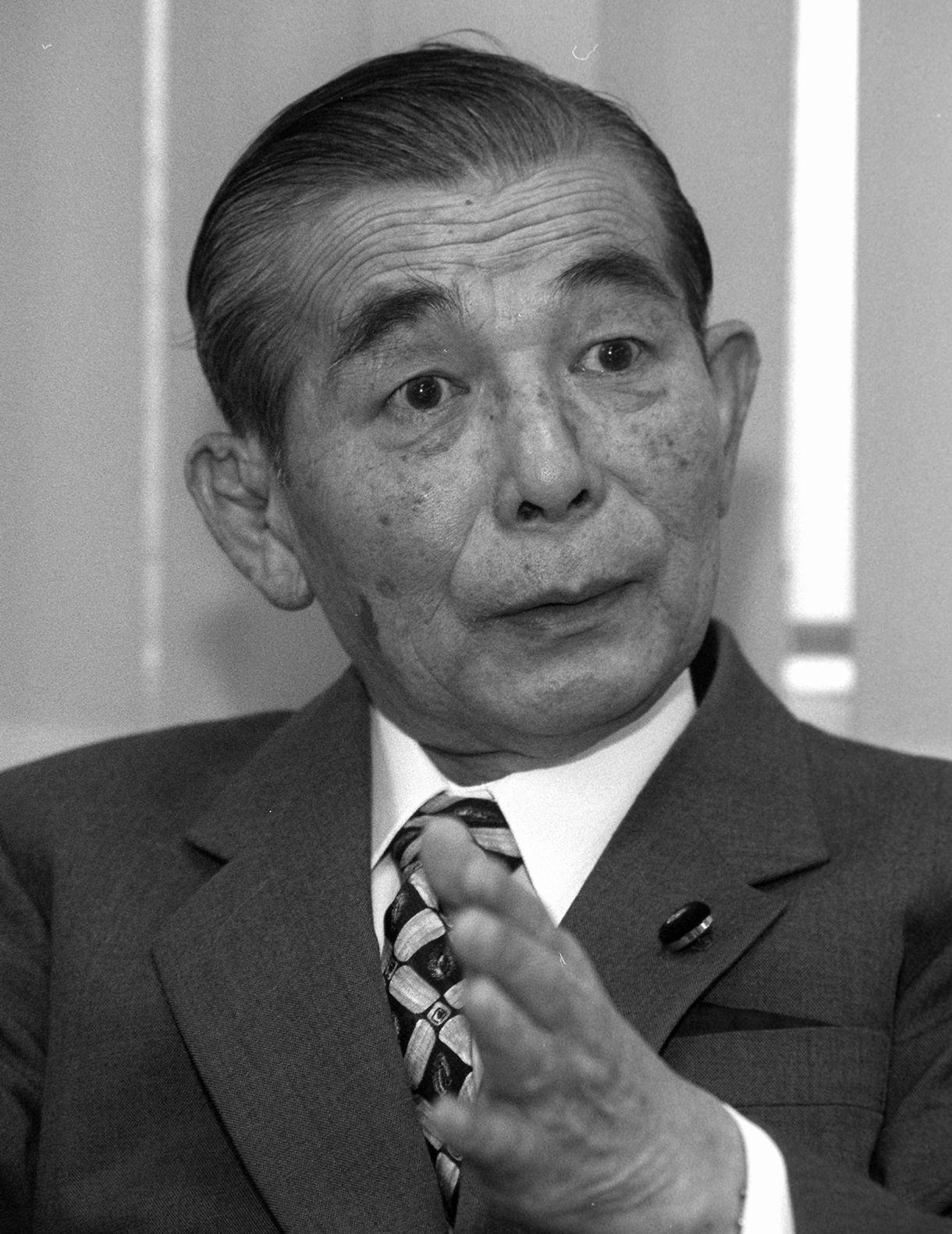 写真・図版 : 奥田敬和さん=1997年4月16日