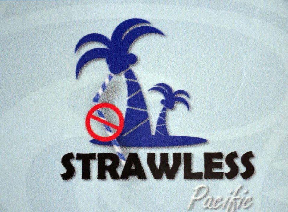写真・図版 : プラスチック製ストローのない太平洋を訴えるポスター
