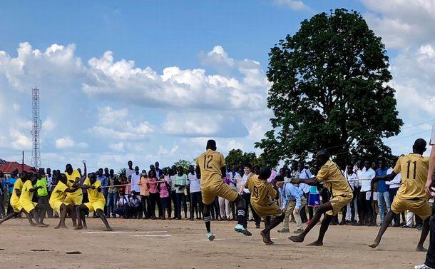 南スーダンで初の野球 大学学長への直訴が奏功