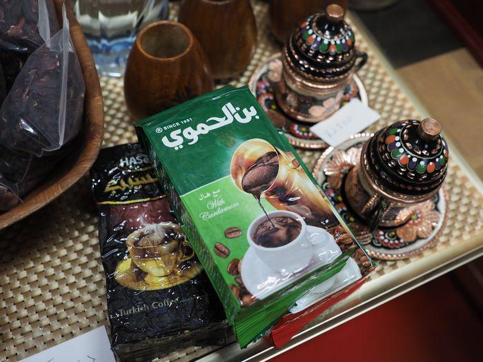 写真・図版 : 隣国でもよく目にした、シリア産のコーヒー