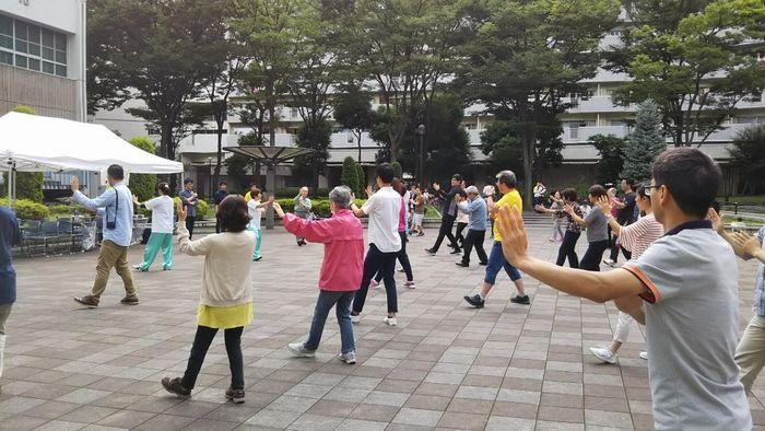 写真・図版 : 写真3 団地広場での太極拳イベント