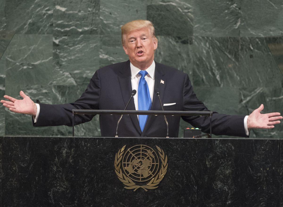 写真・図版 : 2017年9月、「ロケットマンは自殺行為をしている」と北朝鮮の金正恩委員長を国連総会で批判するトランプ米大統領=国連のシア・パク撮影